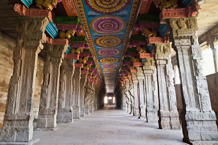 Meenakshi Amman Temple, India / 17 Awe-Inspiring Places Of Worship Around The World (via BuzzFeed)