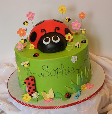 Ladybug cake - I really like the writing on this one, Mom