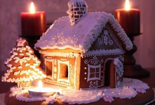 Gingerbread house I LOVE CHRISTMAS!!