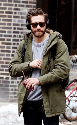 Jake Gyllenhaal out in NYC