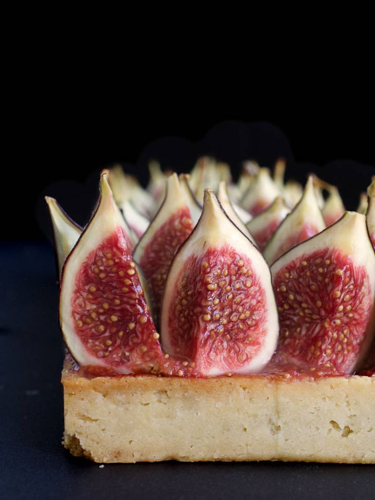 My fig tart is the perfect way to showcase ripe juicy figs. It's made up of a shortcrust pastry covered in almond cream, stewed figs and fresh figs | Nathalie Bakes