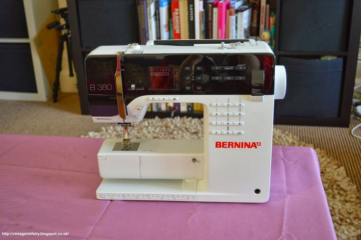 My Oh Sew Vintage Life: UnBoxing a Bernina 380 - What do you get?? And a Bernina Newbie's impression :)
