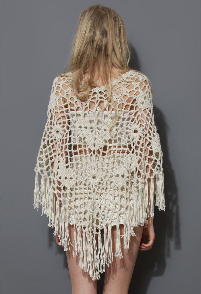 Delicada Capa Blanco Crudo con Flecos Tejida a Mano - Retro White and Nude Collection - Dress - Retro, Indie and Unique Fashion
