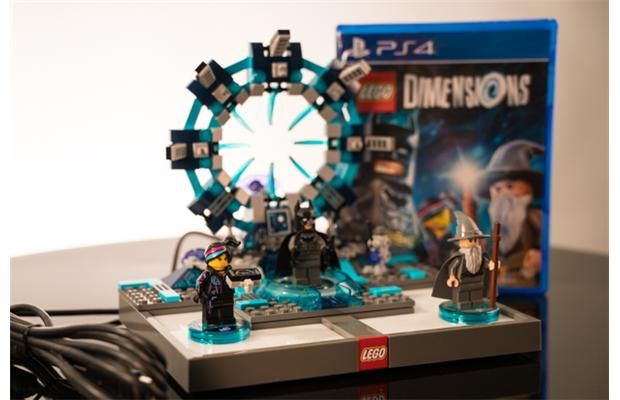 Video: Unboxing of the Playstation 4 Lego Dimensions Starter Pack