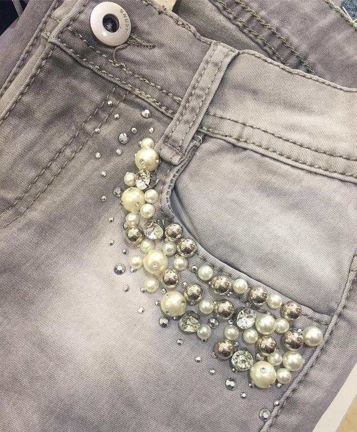 Tendencias... Nos invaden las perlas los brillos en una de las piezas de nuestro guarda ropa más básica. Los Jeans!! Atrévete a Brillar a cualquier hora del día!! #fashionjeans #fashiongirl #fashionstyle #fashion #fashiondesigner #fashionstreet via Instagram http://ift.tt/2nhBcad