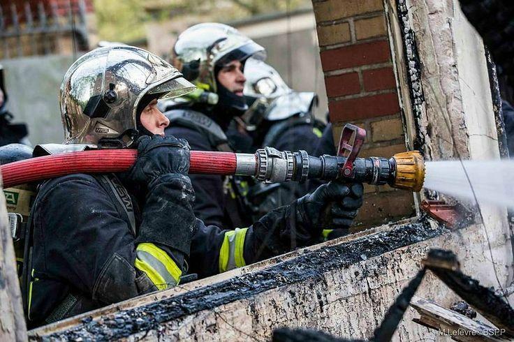 FEATURED POST   @pompiers_de_paris - [Intervention] Feu de bâtiment à Neuilly-sur-Marne  Le 6 avril au soir un bâtiment désaffecté prend feu au rez-de-chaussée. 7 lances dont une lance canon et deux lances grande puissance ont été nécessaires pour lutter contre la propagation et à l'extinction du sinistre. Aucune victime est à déplorer.   M. Lefèvre / BSPP  ___Want to be featured? _____ Use #chiefmiller in your post ... http://ift.tt/2aftxS9 . CHECK OUT! Facebook- chiefmiller1 Periscope…