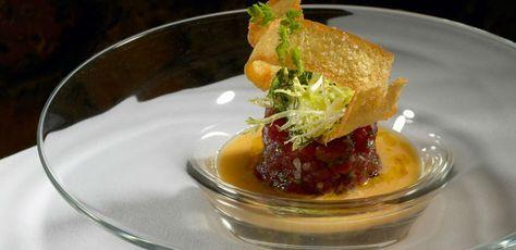 Sopa fría de tomates verdes con tartar de atún rojo, Can Bosch.