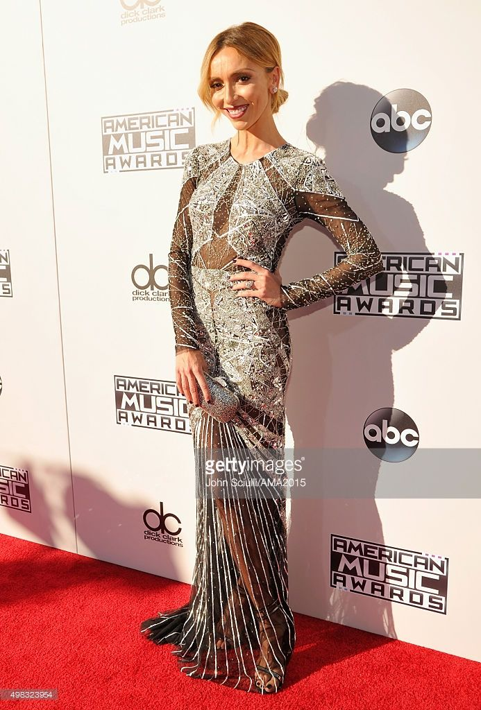 TV personality Giuliana Rancic attends the 2015 American Music Awards at Microsoft Theater on November 22, 2015 in Los Angeles, California.  (Photo by John Sciulli/AMA2015/Getty Images for dcp)