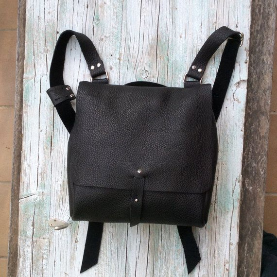Leather Backpack / Messenger Bag / Black backpack por proyecto54