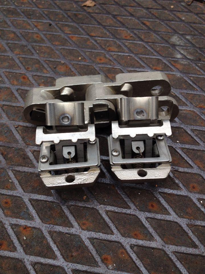 Vertical #chain for #stenter #mian #m05 with #pin #clip www.mian-snc.com #itma2015 #milano #artigiani #madeinitaly
