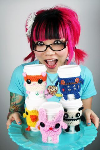 Love these animal coffee cozies. Twinkie Chan is so awesome. #crochet