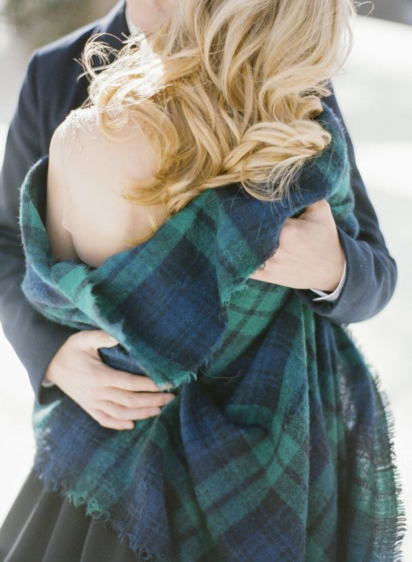 Winter engagement shoot: http://www.stylemepretty.com/2016/12/16/smpwedding101-style-ideas-for-winter-brides/ Photography: KT Merry - https://www.ktmerry.com/