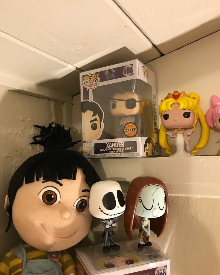 Yay more NEW Pops in my collection! Thank you so much Hubby for my Chase Xander  He is everything! Also a huge thanks to my fantastic husband for my Stan Lee & Gizmo I love you so much you always spoil & look out for me! @tito_baez5 And Yay My Jupiter Ascending Jupiter Jones & Caine Clueless Cher & Dionne AHS Countess Holly Golightly from Breakfast at Tiffanys Luke Hobbs from Fast and Furious movie series Jane Bennet Mrs. Featherstone & Elizabeth Bennet from Pride Prejudice and Zombies & my…
