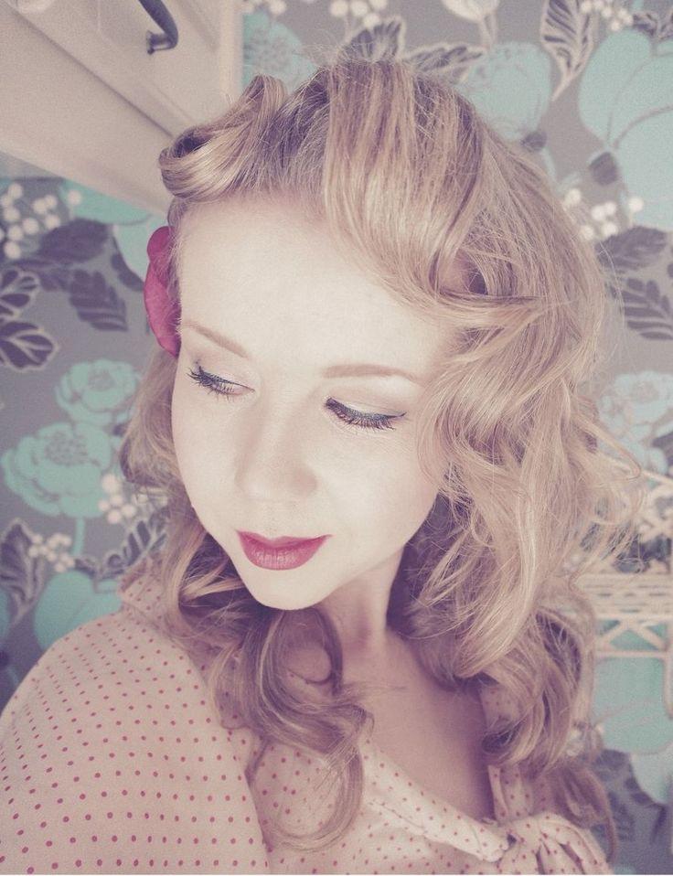 vintage style hair