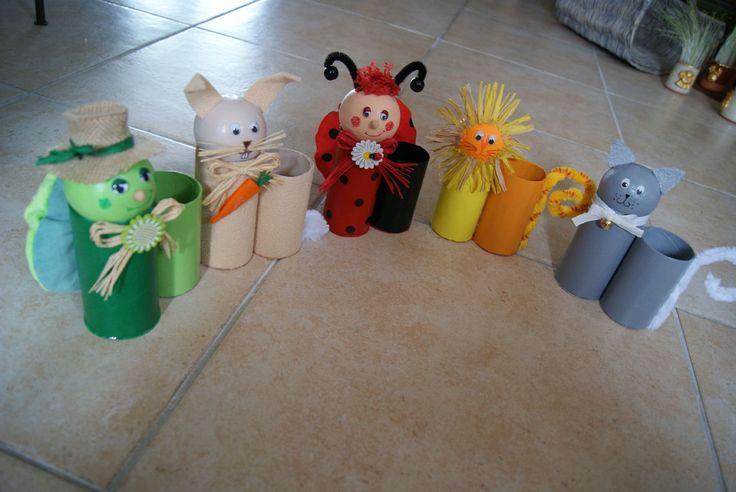 Pots à crayons en rouleaux de carton