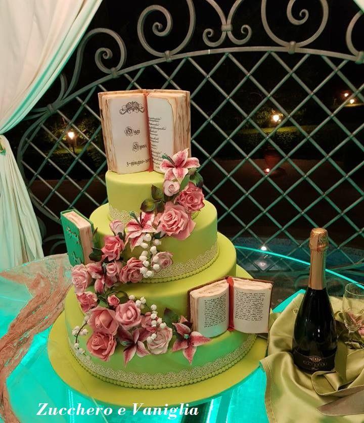 Wedding cake tema libri amore