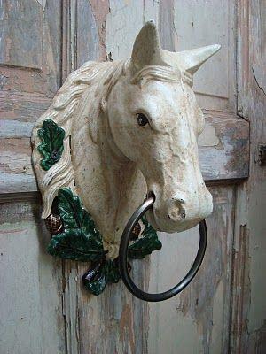 Lovely vintage doorknocker.: