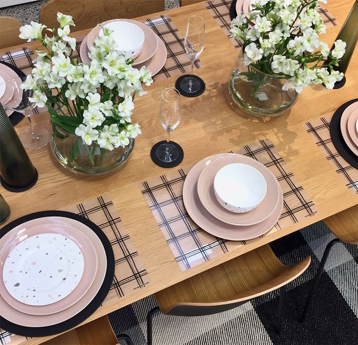 Talo + printed ceramics = mix & match styling perfection at #cittahamilton  #taloceramics #cittalovesbolivia  @fitreweeke_art