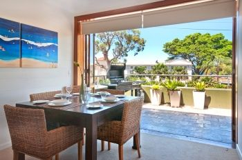 2 Bedroom Apartment situated across the road from Balmoral Beach. Open plan Kitchen, Dining area and outside patio.