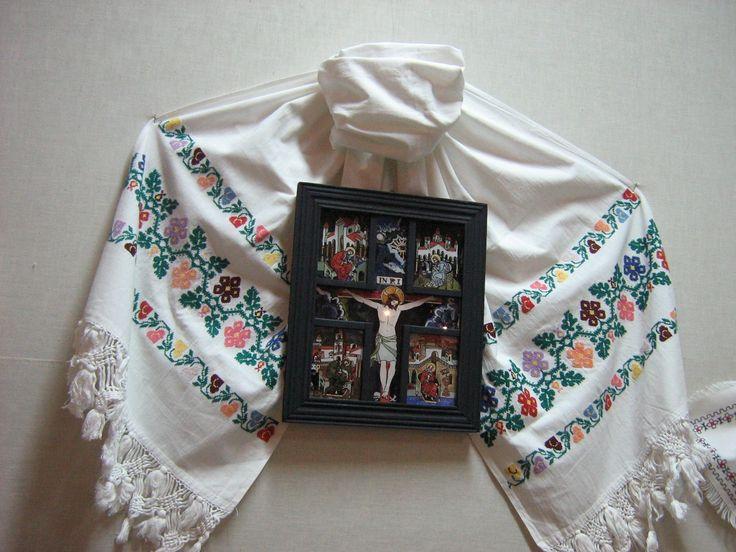 Ziua Crucii (Rastignirea si cei patru Evanghelisti), icoana pe sticla, 23x34 cm, VANDUT