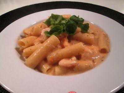 Pasta med Rejer i Tomatflødesauce