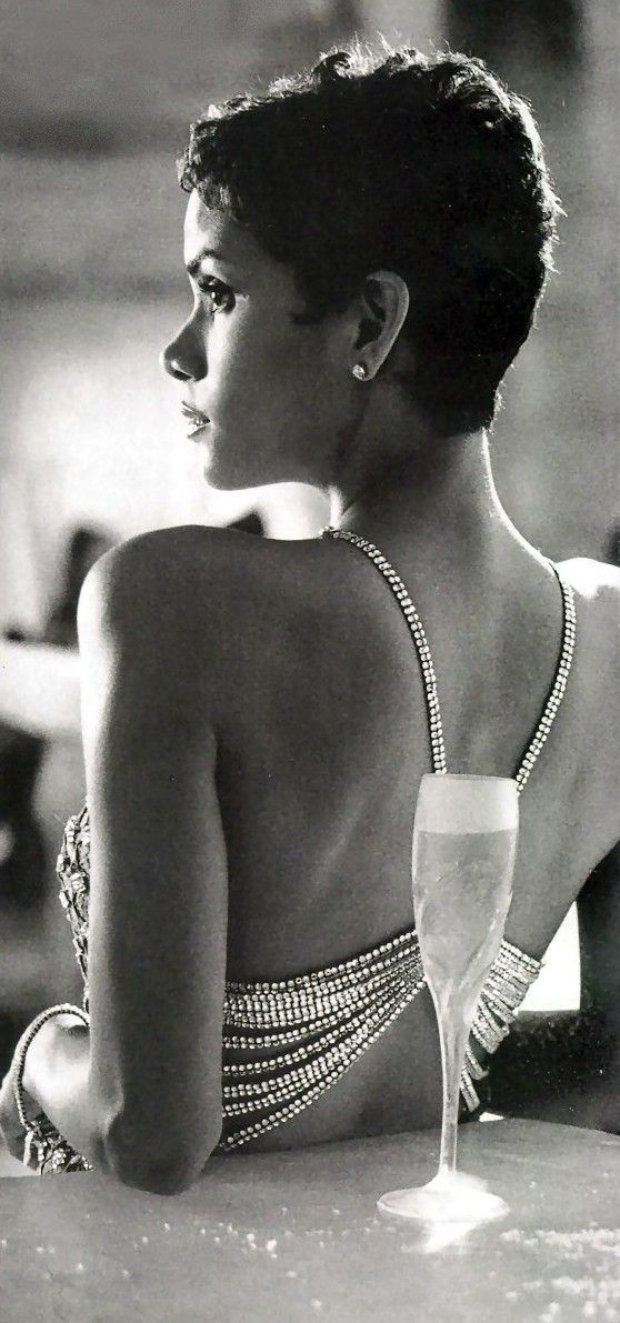 Halle Berry - Die Another Day                                                                                                                                                                                                                                                                                           2 repins