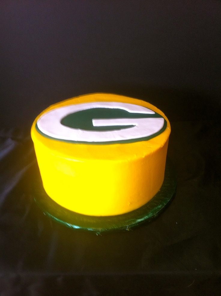 Green Bay Packers Grooms Cake. This would be MY cake not the hubs!