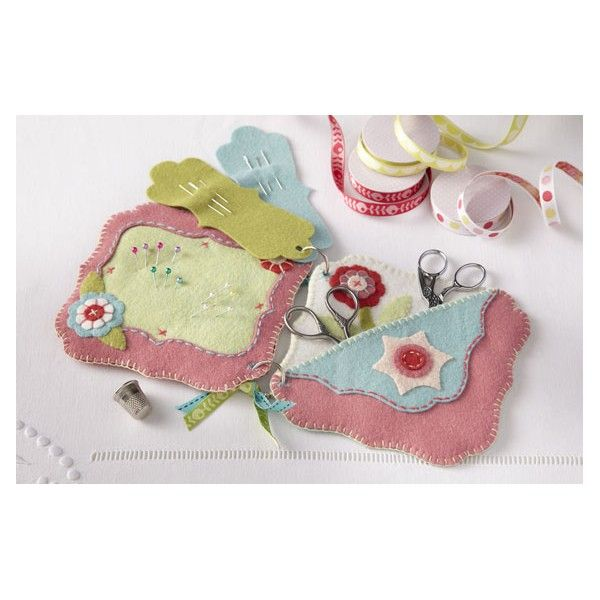 Needlebook and pin cushion - The Cinnamon Patch