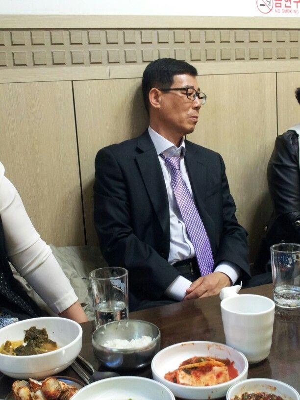 인천에서 모임중 노재봉 선배님 모습