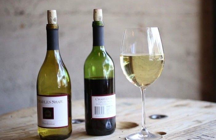 10 ongebruikelijke manieren om een fles wijn te openen - Froot.nl