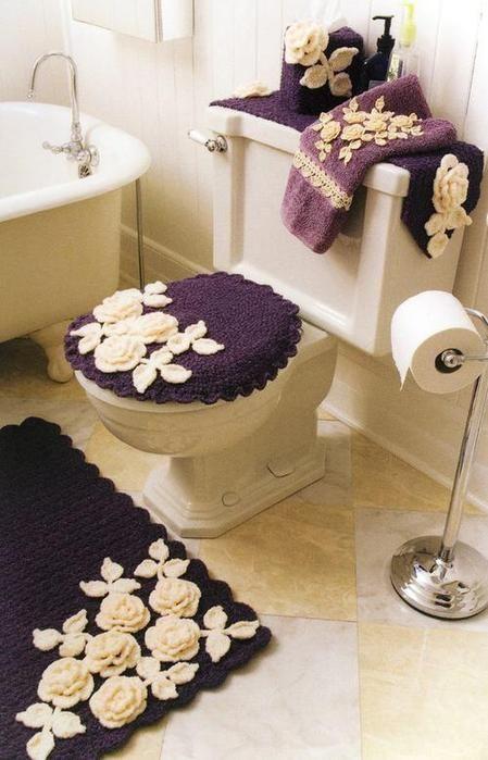Elegante por su color y flores. Love the mat and towel, forget the rest.