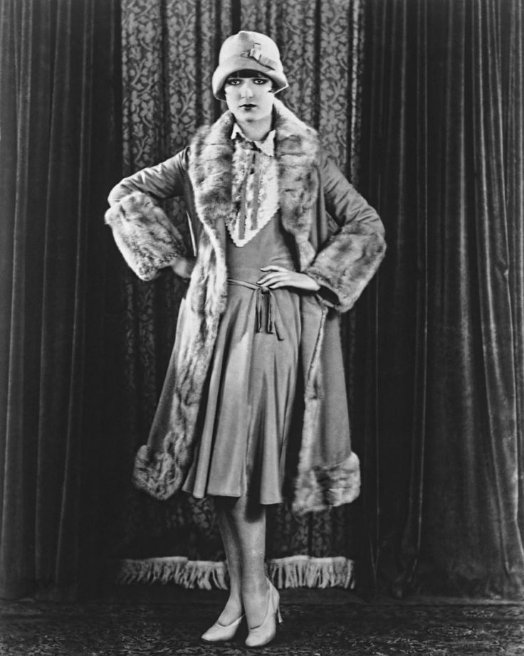 """louise brooks and the flapper era And yet louise brooks went, in the space of less than 20 years, from  she was  the promiscuous """"flapper"""" whose refusal to sleep with studio."""
