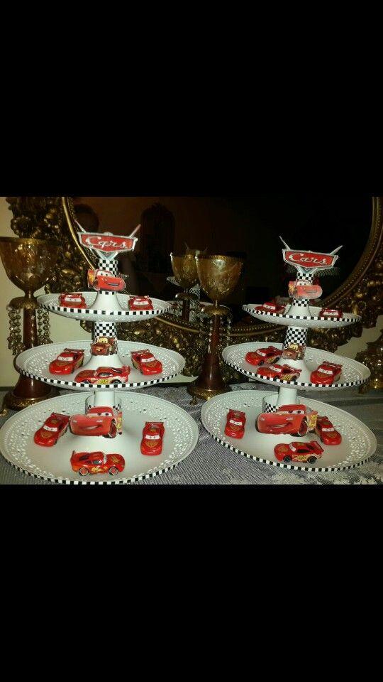 Cape cake stand