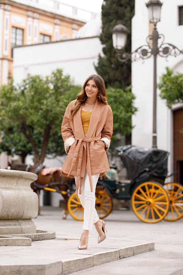 Wearing the most beautiful kimono blazer from Kayomo Lab on the streets of Sevilla: http://larisacostea.com/2017/03/kayomo-lab/