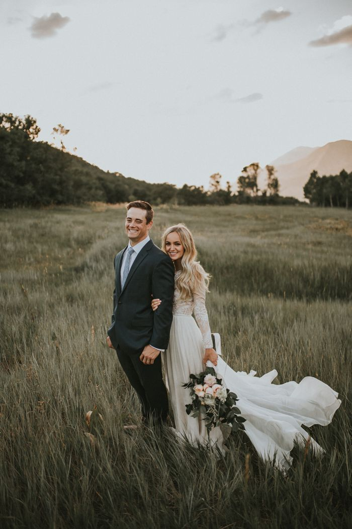 The sweetest first look in the mountains | Image by Autumn Nicole Photography