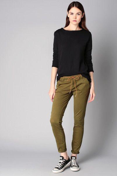 Pantalon chino kaki ceinture tresse camel Paris Only sur MonShowroom.com