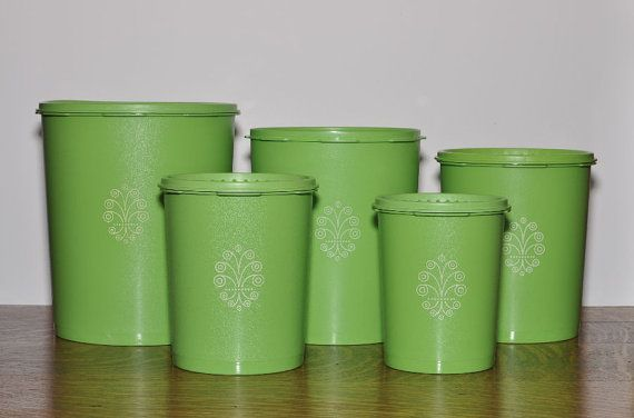 5 apple green tupperware canisters with lids canisters apples and tupperware. Black Bedroom Furniture Sets. Home Design Ideas