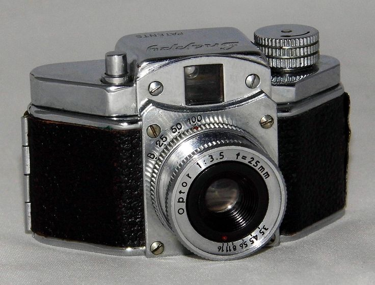 https://flic.kr/p/WhJWKW | Vintage Snappy Sub-Miniature Camera, Measures 3.75 Inches Wide, Weighs Less Than 4 Ounces, Made In Occupied Japan, Circa 1949 | Advertised in the Detroit Free Press newspaper of December 10, 1949, for $9.95.