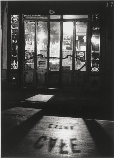 André Kertész / Bistrot, Paris, 1927