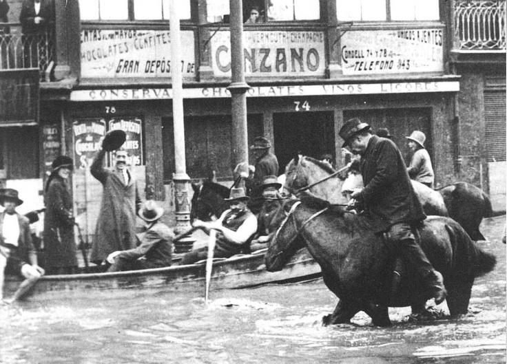 Valparaíso durante una inundación. Valparaíso.