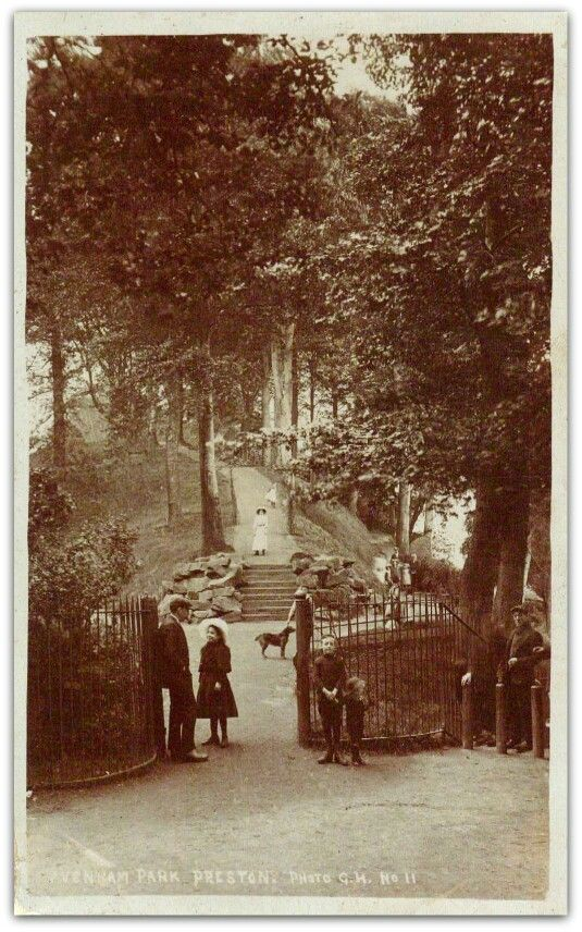 I adore this old photograph from my hometown. Avenham Park Preston 1900's