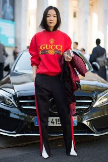 Not easily outdated Track Suit take you easily through the classic style
