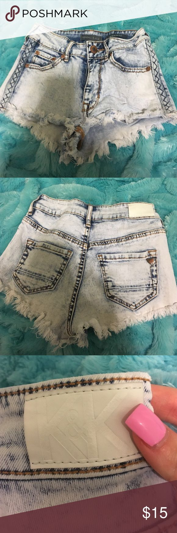 Kendall & Kylie Denim High Rose Shorts I LOVE THESE. High rise Kendall & Kylie denim shorts. Size 00. I outgrew them. Bought from Pacsun Kendall & Kylie Shorts Jean Shorts