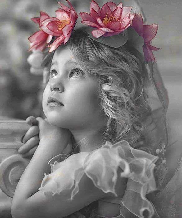 Гифка девочка маленькая