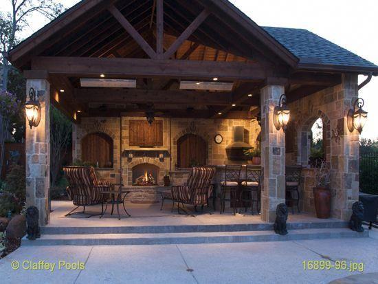 Wir wollen eine Outdoor-Cabana bauen, die eine Küche hat, in der sich jeder versammeln kann, denn denken Sie bei jeder Party darüber nach, die Sie sozusagen in der …
