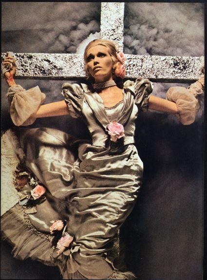 Richard Bailey - Amanda Lear pour Vogue Paris, December 1971