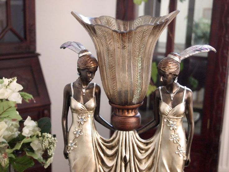 Lampa z dwiema kobietami w stylu Art Deco / lamp with figures of women