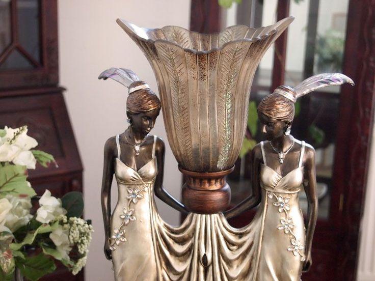 Lampa z dwiema kobietami w stylu Art Deco / lamp with figures of women