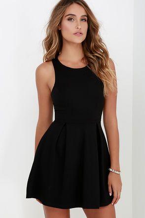 Black dress zip back 3 turn