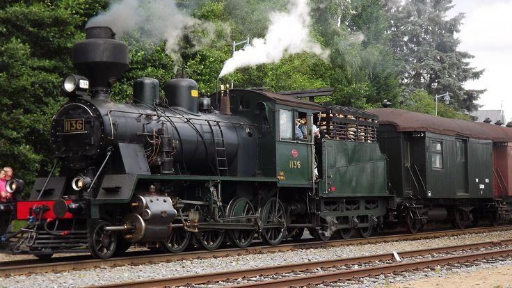 OLD TRAIN ( E L )